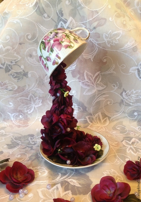 """Парящая чашка водопад из клея. как сделать цветочный водопад из кружки своими руками. топиарий """"парящая чашка"""": своими руками как сделать"""