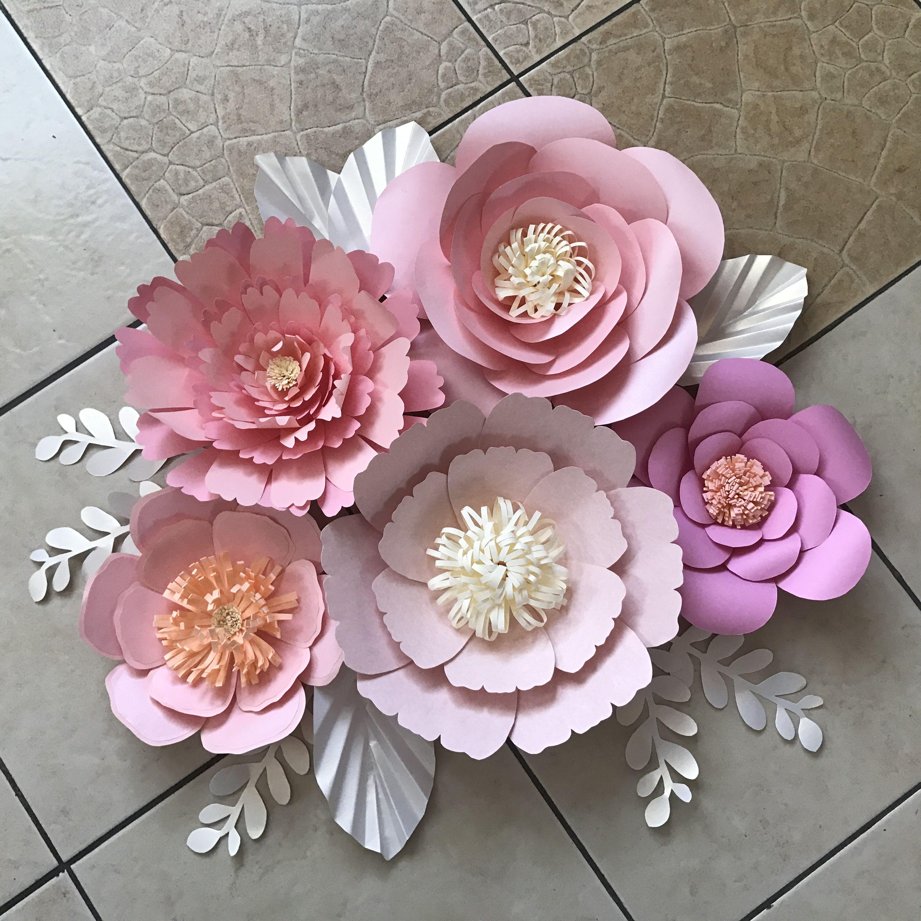 Большие цветы из бумаги. как сделать цветы своими руками?