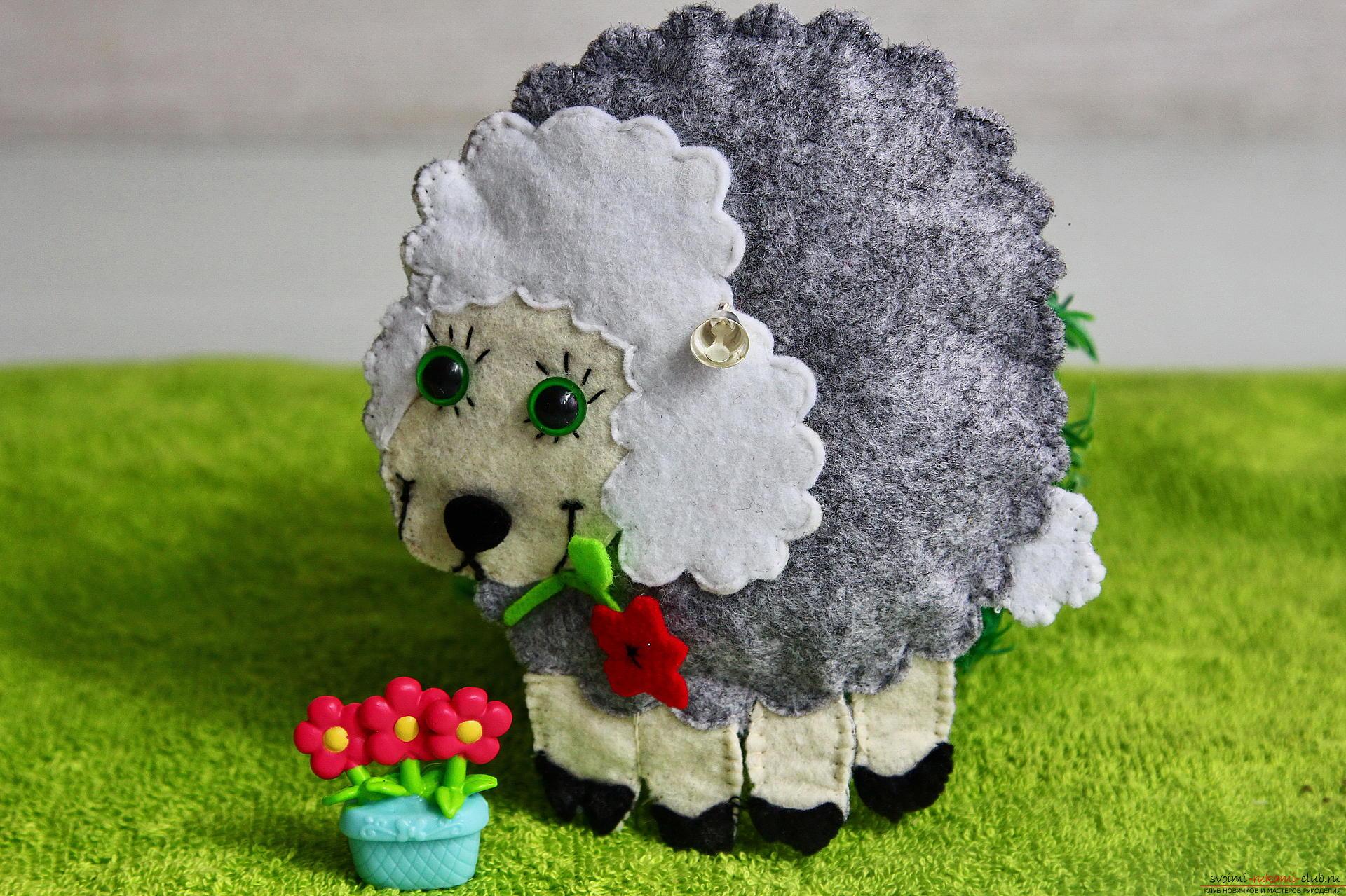 ᐉ овечка из фетра выкройка. как сшить сувенирную овечку из фетра. игрушка из фетра - овечка. мастер-класс ➡ klass511.ru
