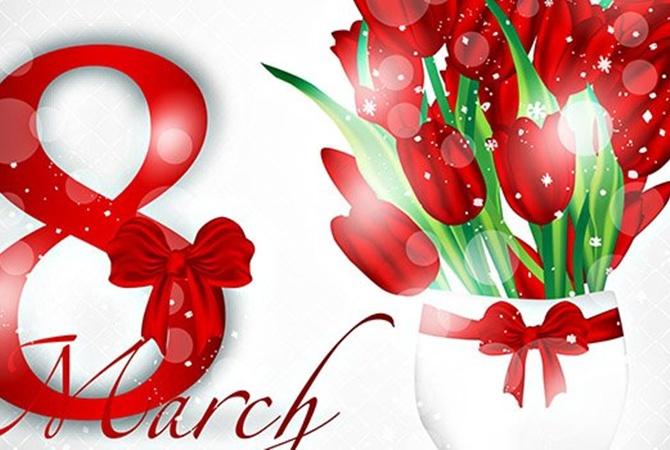 Поздравления с 8 марта женщинам в 2021 году: красивые, короткие, прикольные
