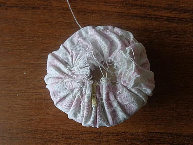 Декор предметов поделка изделие аппликация вышивка вышивка крестом шитьё всевозможные игольницы  бумага канва клей коробки краска кружево нитки сутаж тесьма шнур