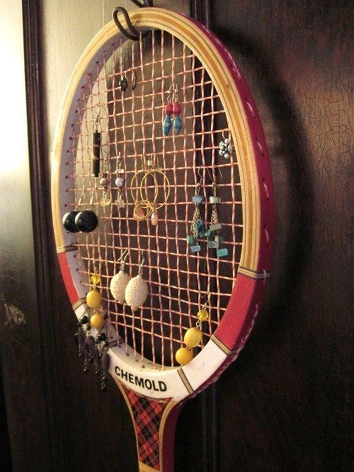 Оригинальное панно из теннисной ракетки