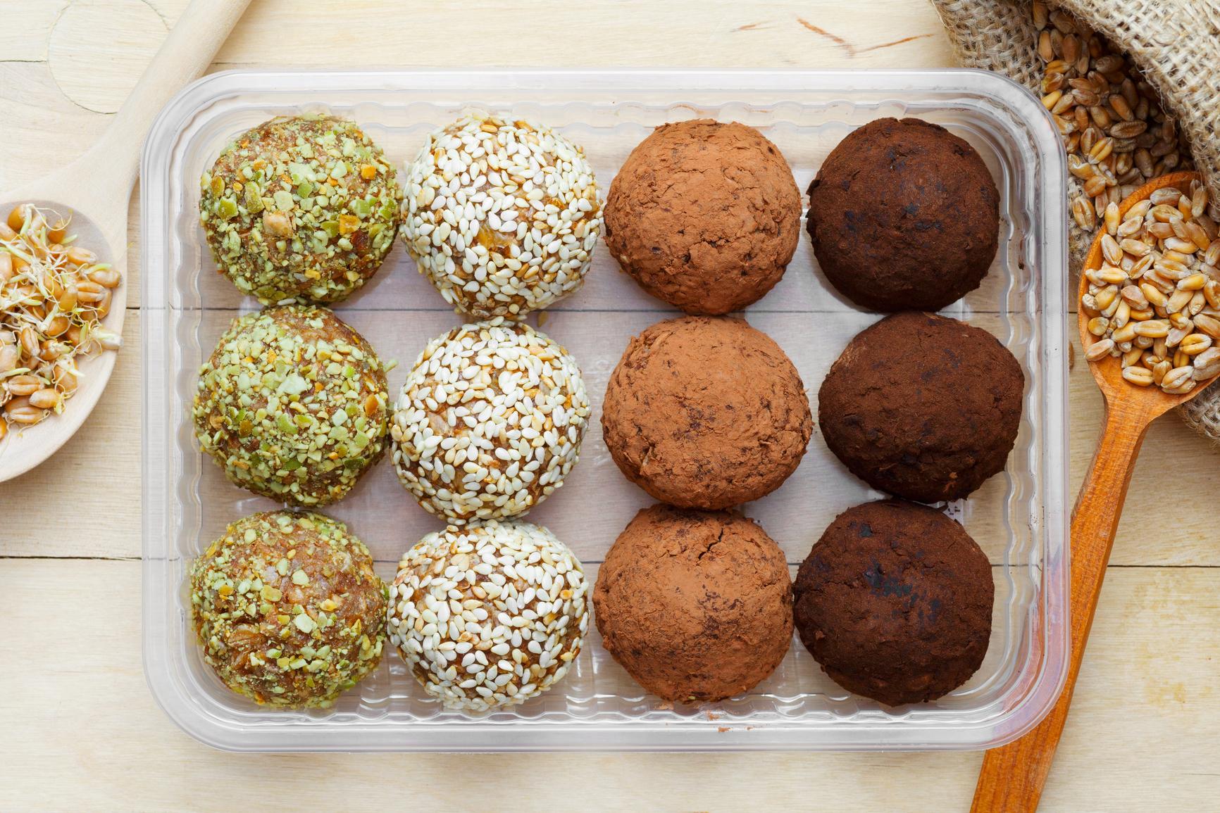Пять рецептов домашних конфет без сахара