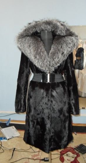 Шуба из козлика (68 фото): из меха горного козла, с капюшоном, сколько стоит, отзывы, женская, теплая, цветная
