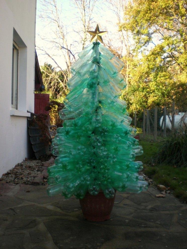 Елочка из пластиковых бутылок пошаговая инструкция. новогодняя елка из пластиковых бутылок. как сделать елку из пластиковых бутылок