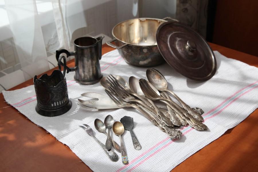 Как почистить ложки мельхиоровые с позолотой. как почистить мельхиоровые ложки, вилки и украшения