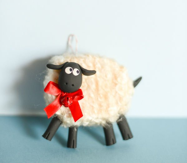 Новогодняя овечка из ткани