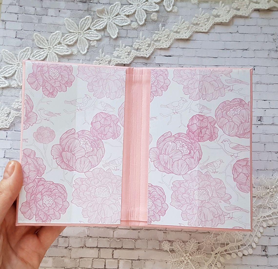 Мастер-класс поделка изделие аппликация роспись обложка на паспорт своими руками м к картон клей кожа краска