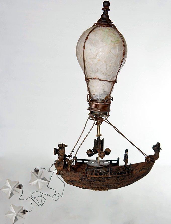 Красивые игрушки на елку из старых лампочек