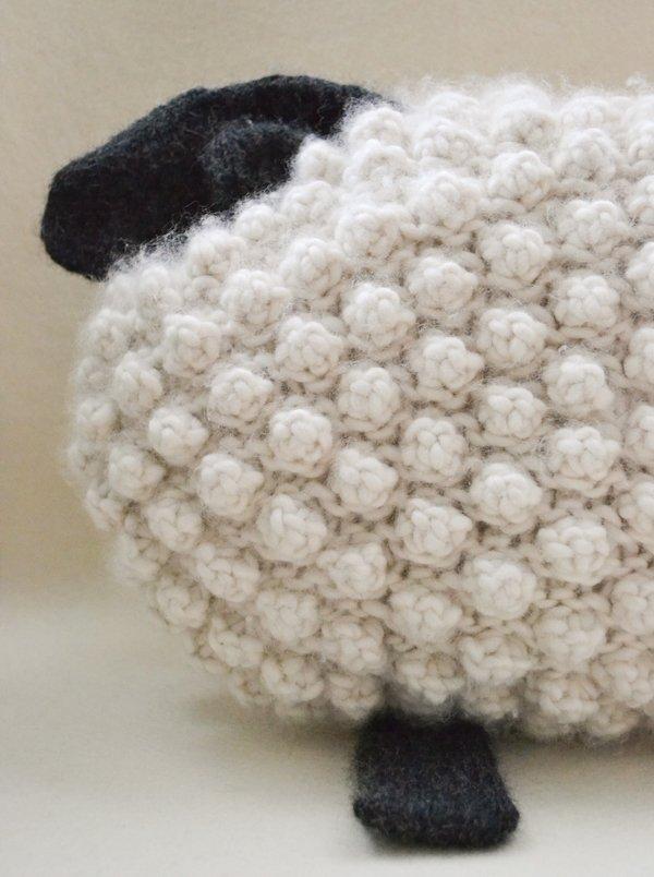 Овечка из фетра своими руками: мастер-классы по изготовлению брелока, елочной игрушки и подушки в виде овечки