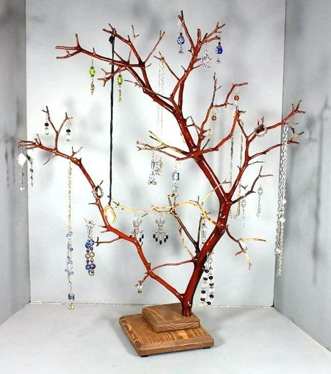 Ветки деревьев в интерьере: идеи декора из сухих веток