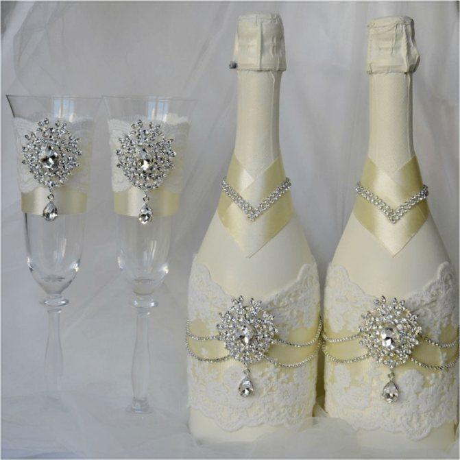 Оригинальное оформление бутылки шампанского