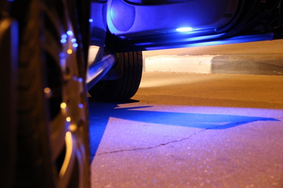 Диодная подсветка при открытии дверей автомобиля