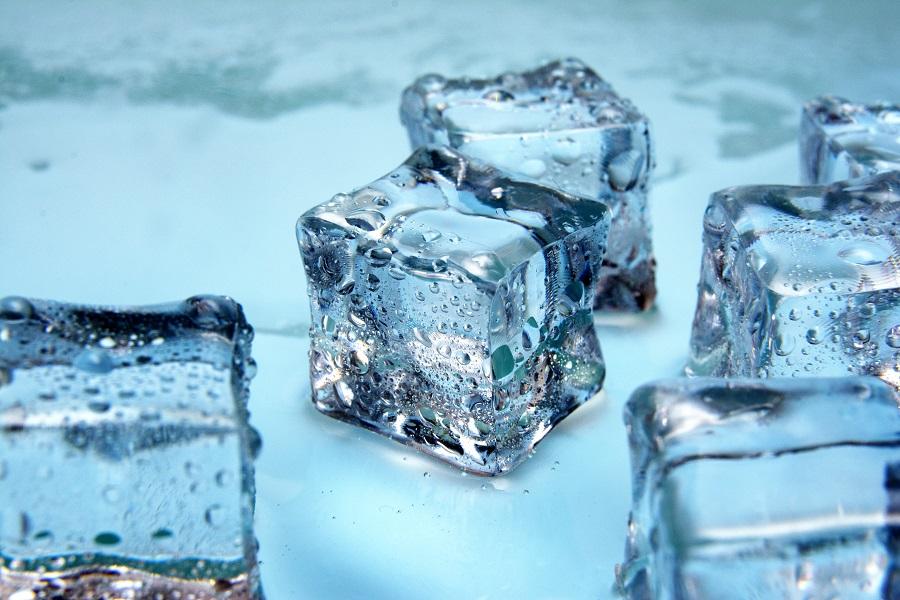 Как сделать лед дома без специальных приспособлений (кубиками и дробленый)