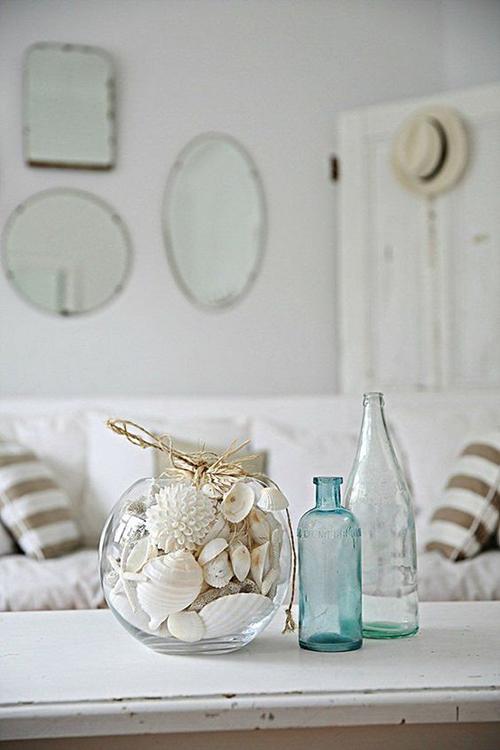 Кораллы и раковины в интерьере дома