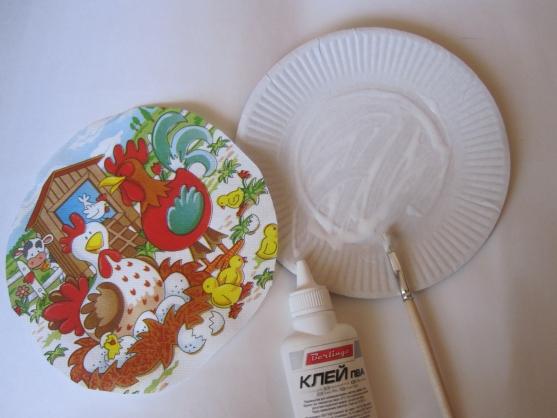 Особенности декупажа тарелок - стили, идеи и фото примеры