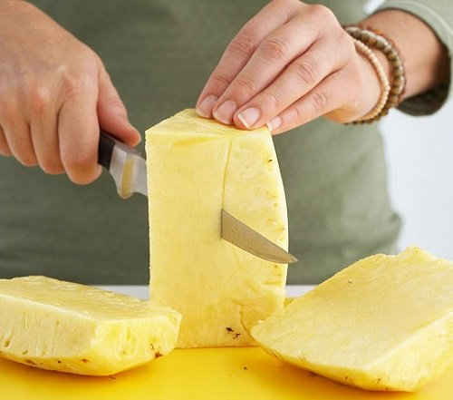 Способы, как чистить ананас и правильно резать на стол в домашних условиях