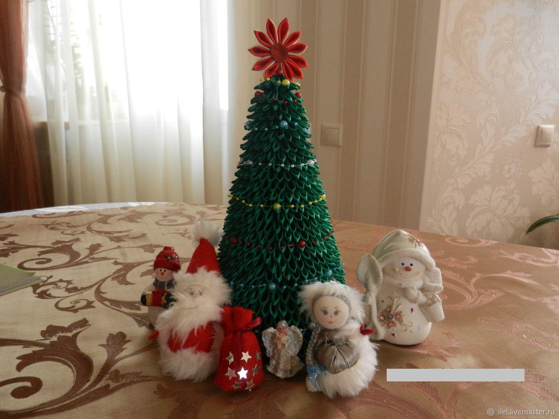 ᐉ новогодняя елочка из атласных лент своими руками. вам также понравятся идеи новогодней упаковки. как сделать ёлочку из атласных лент своими руками ➡ klass511.ru