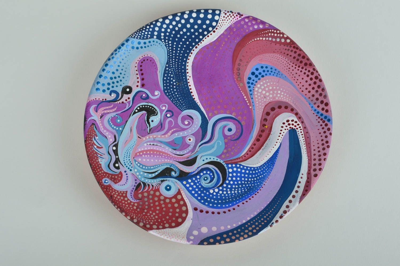 Роспись тарелок акриловыми красками, точечная роспись, декоративные тарелки с росписью: краски и шаблоны для росписи точечной техникой - наборы от шопинг-клуба westwing