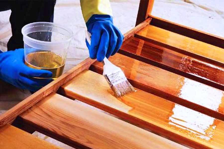 Как выполнить реставрацию журнального столика своими руками?