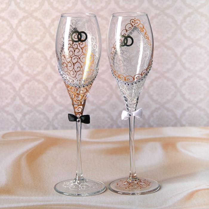 Роспись свадебных бокалов ?: точечное оформление