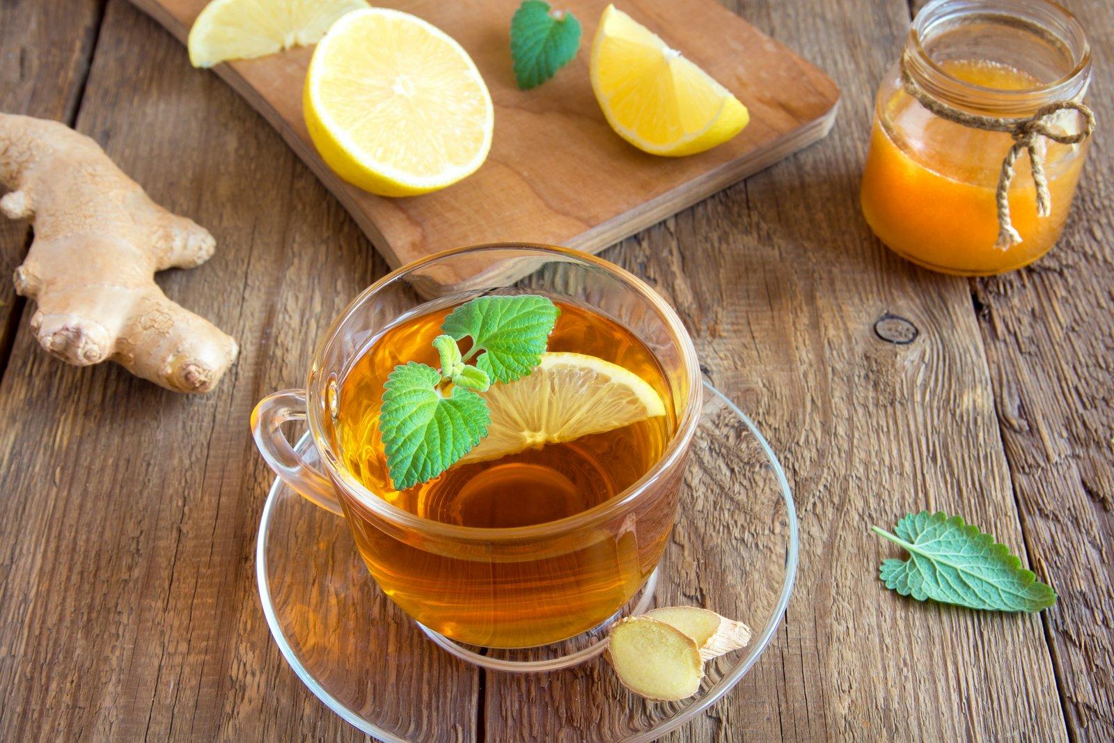 Куркума, мед, лимон: польза напитка и рецепт