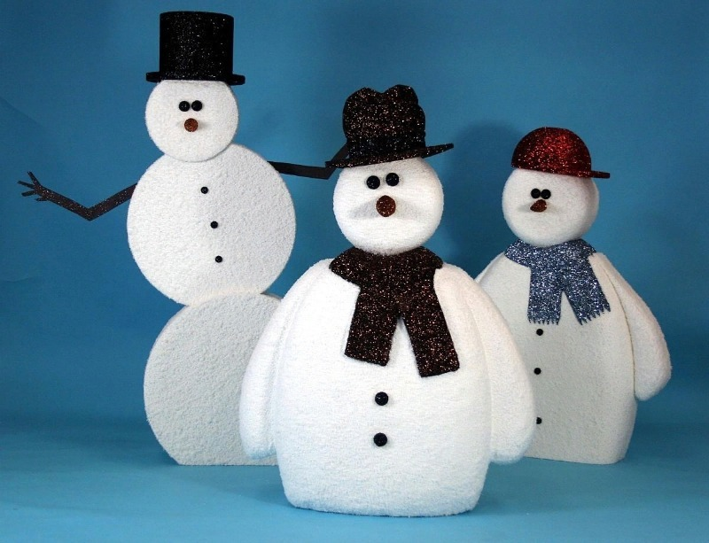 Забавные снеговики из разных материалов своими руками – привносим в нашу жизнь лучшие традициик новому году   строительство и дизайн