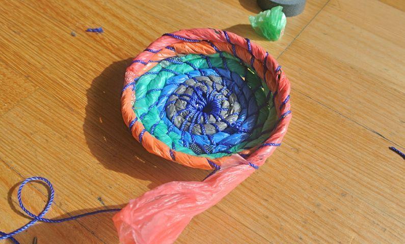 Бонсай топиарий ёлка видео мастер-класс новый год моделирование конструирование ёлка своими руками из простых пакетов мк клеёнка