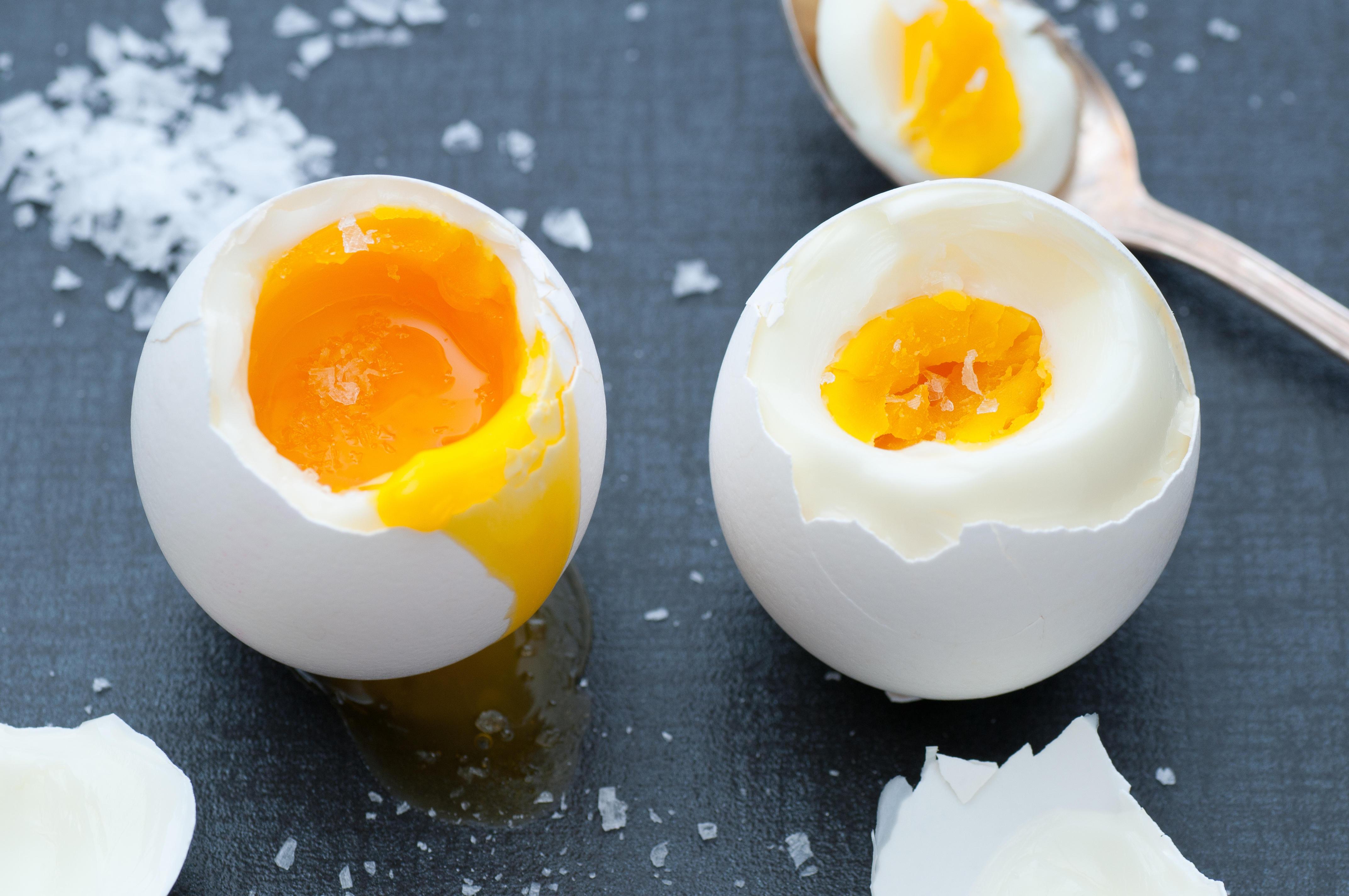 Сколько варить яйца всмятку  сколько нужно время, чтобы сварить яйца