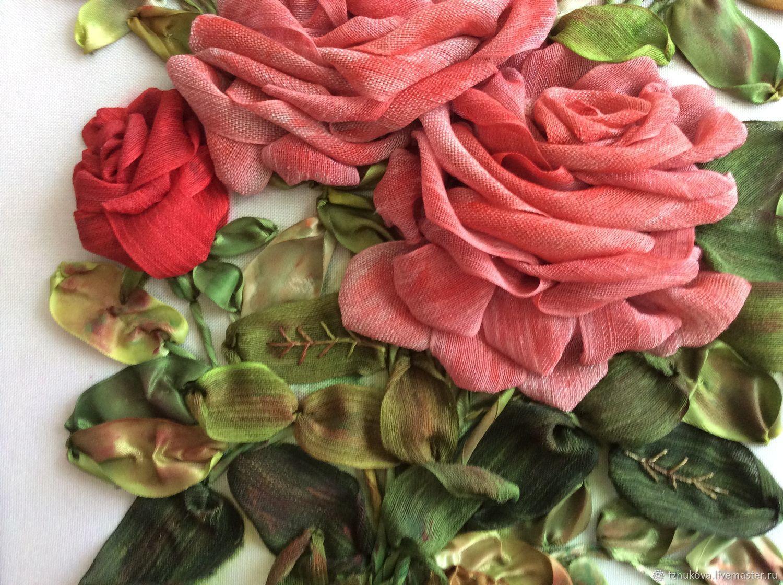 Салфетка c вышитыми розами