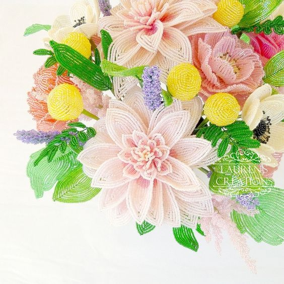 Плетеные из бисера цветы: техники плетения, пошаговое изготовление розы, незабудок, сирени, описание, фото
