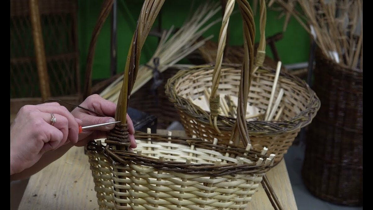 Подготовка материала и плетение корзин из газетных трубочек - мастер-классы - домоводство - медиаплатформа миртесен