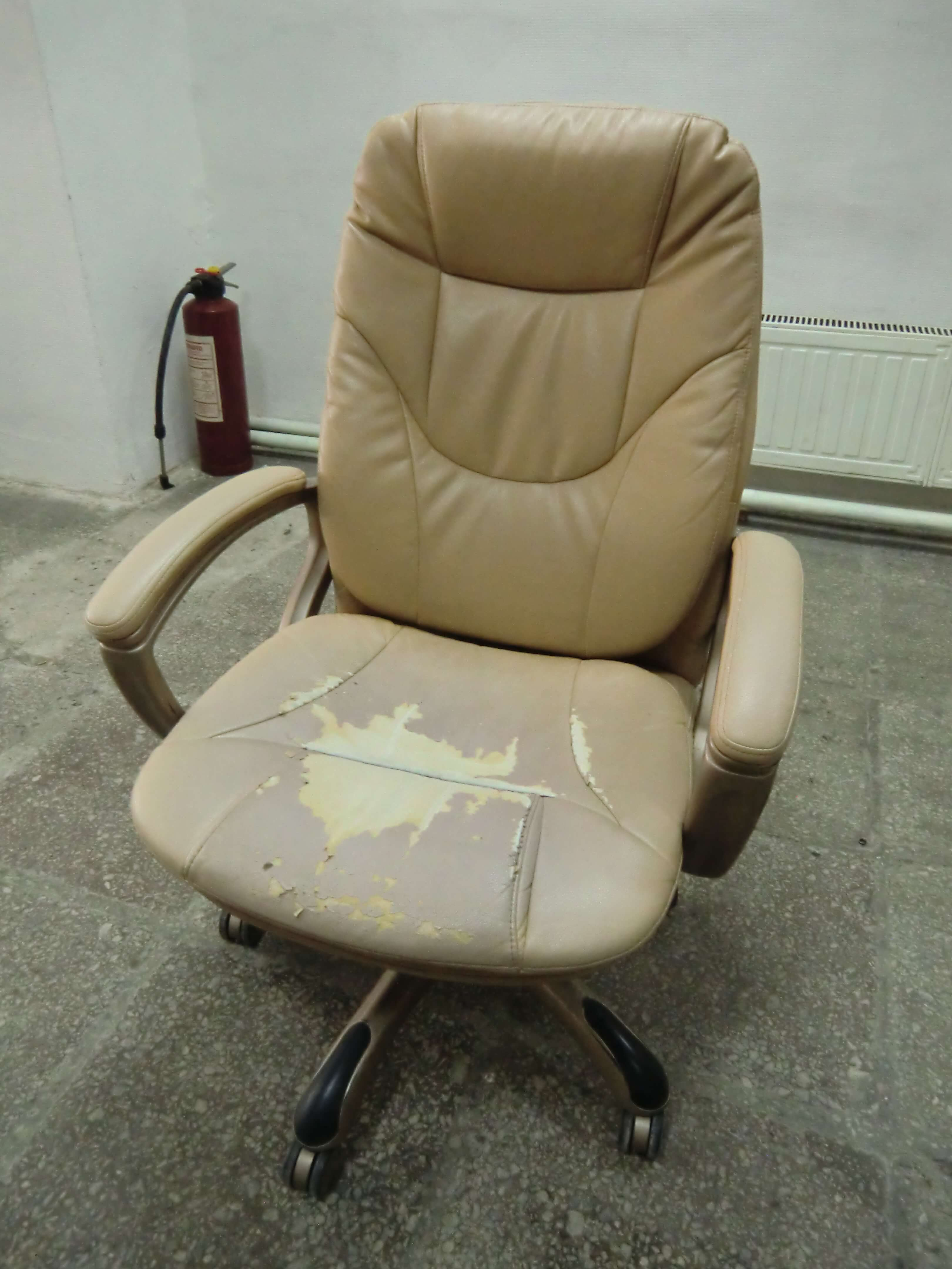 Как перетянуть компьютерное кресло?