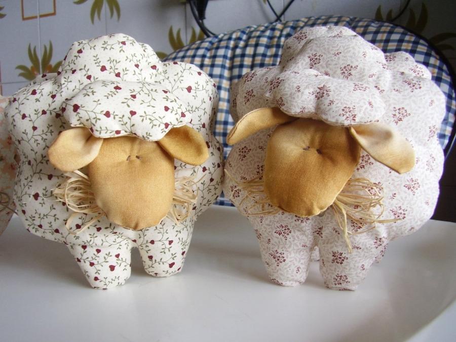 Игрушки из фетра своими руками с выкройками для начинающих, детей, мастер класс цветы, котики, медведь, собака, подарок на новый год