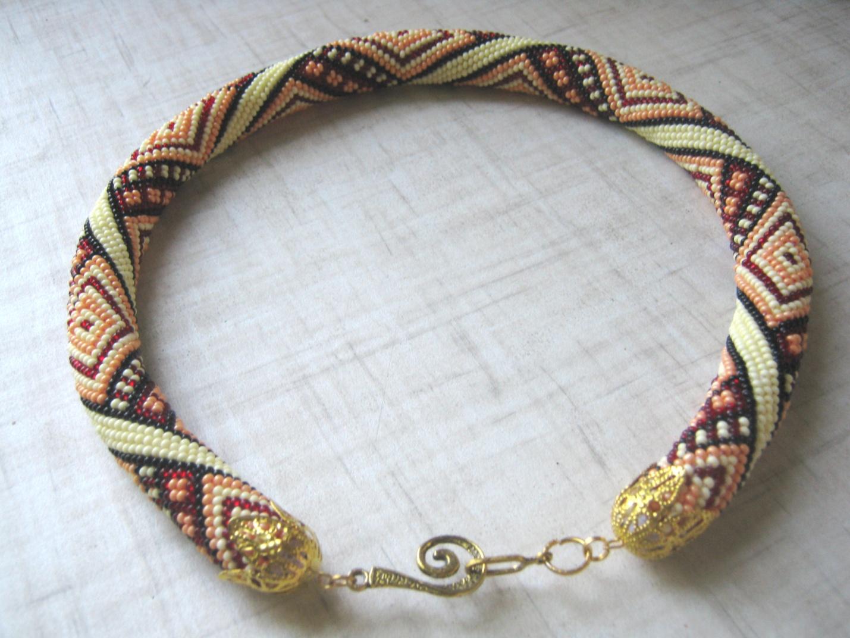Схемы плетения жгута из бисера: пошаговые инструкции по выполнению аксессуара