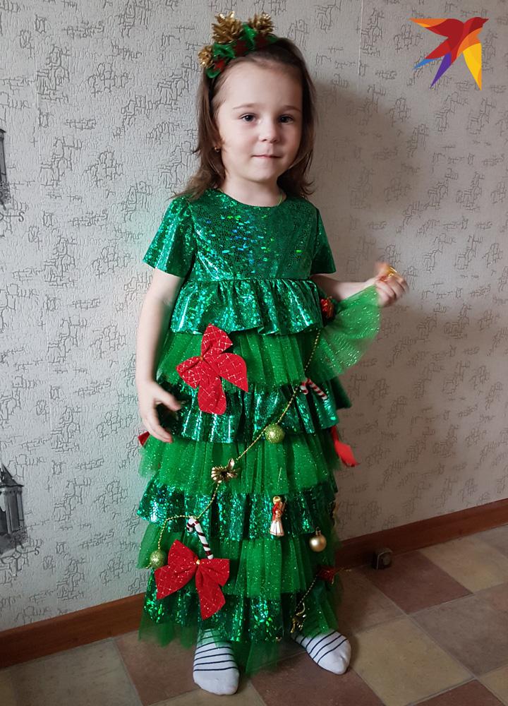 Делаем новогодний костюм елочки для девочки своими руками