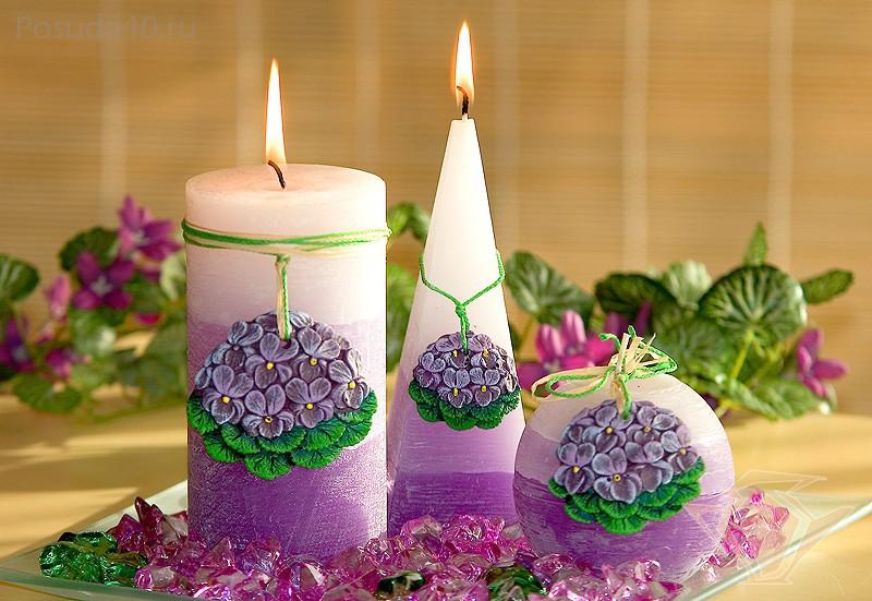 Новогодние свечи – как можно украсить свечи к празднику и как использовать их в интерьере?
