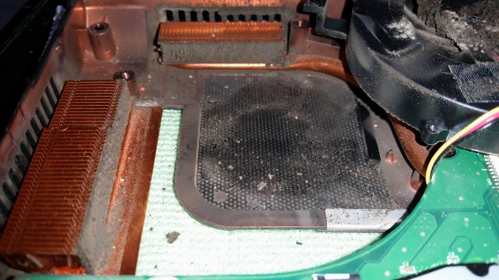 Как разобрать и почистить кулер на ноутбуке