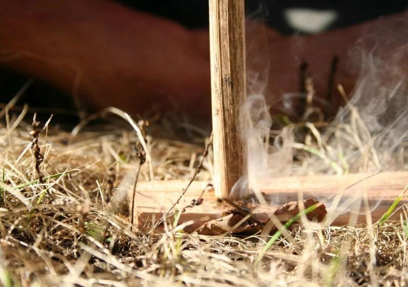 Как добыть огонь без спичек и зажигалки: 7 проверенных способов