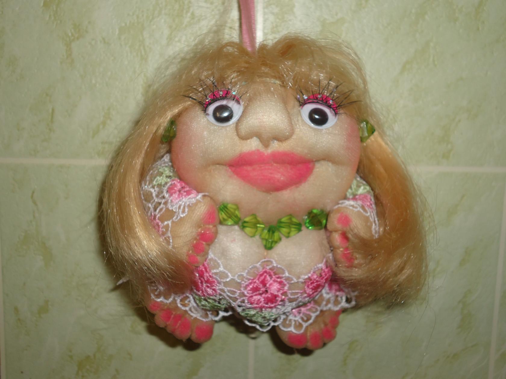 Как делают капроновые колготки, как сшить куклу попика, ручка в попе и из чего создают куклу попик