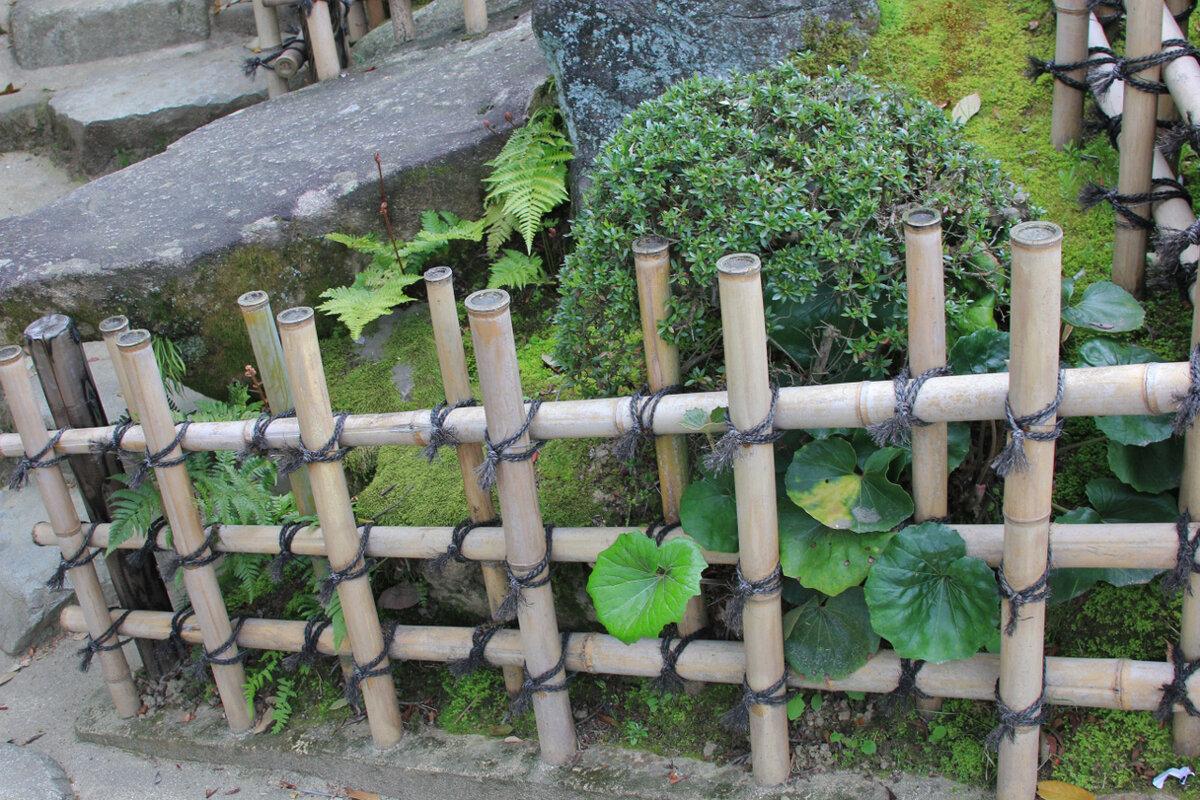 Варианты декоративных заборчиков для клумб
