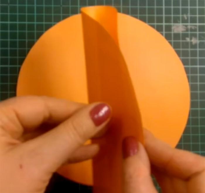Мастер-класс поделка изделие моделирование конструирование мячик из бумаги бумага бумага журнальная скотч