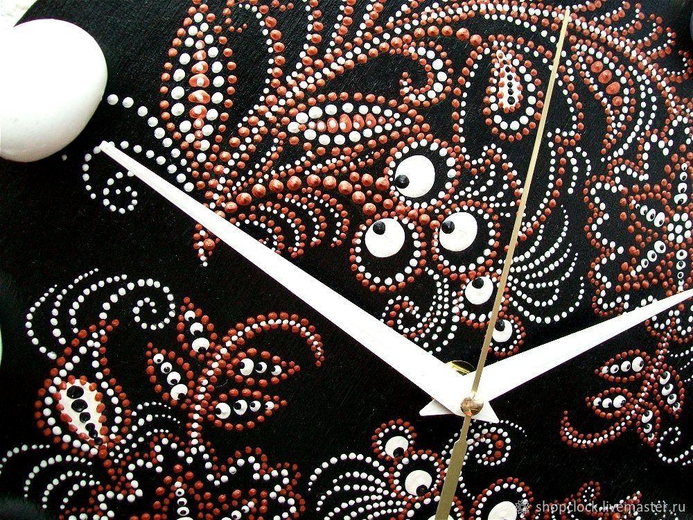 Часы из виниловых пластинок (33 фото): как сделать своими руками, используя трафареты и макеты? изготовление в технике декупаж и кракелюр