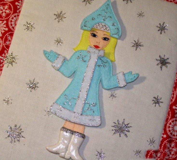 Снегурочка из картона и бумаги своими руками. снегурочка из цветной бумаги
