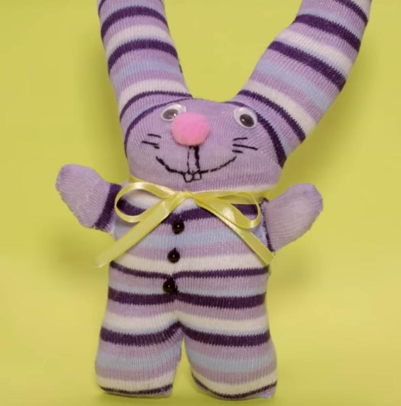 Игрушки из носка своими руками мастер класс пошагово, выкройки, фото: собачка, котенок, ежик, снеговик, обезьянка для детей