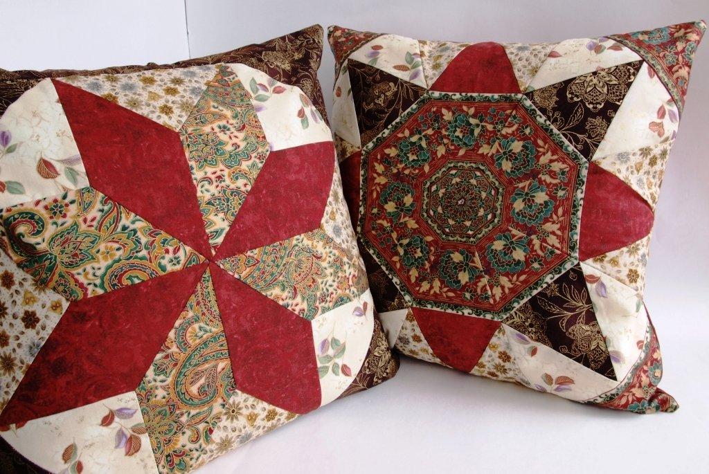 Удивительный пэчворк: подушки для уюта в доме   крестик