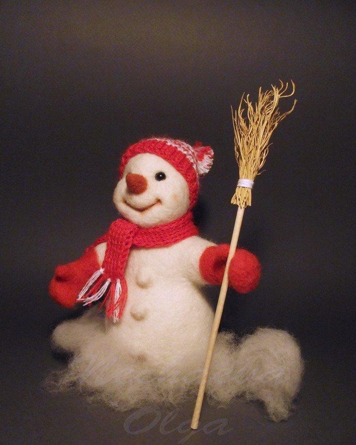 Валяный снеговичок