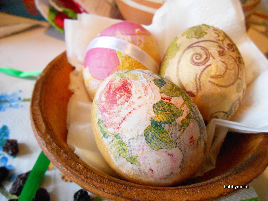 Декупаж пасхальных яиц - обзор способов с фото примерами