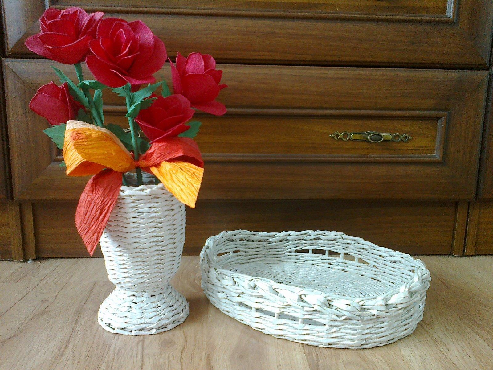 Особенности плетения вазы из газетных трубочек: простые пошаговые инструкции