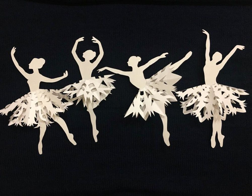 Декор для дома – балерина из салфетки